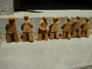 suche figurki gliniane